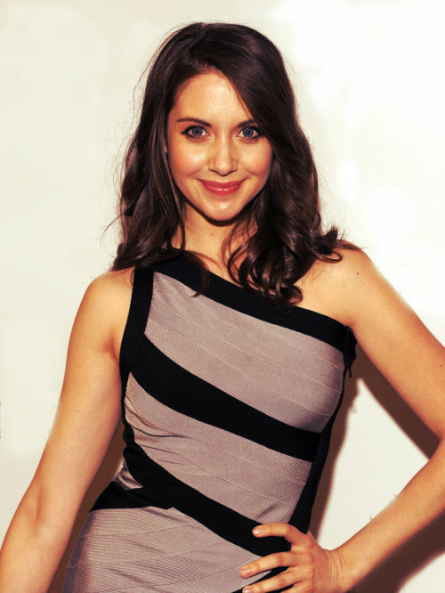 Jaw droppingly beautiful Alison Brie!