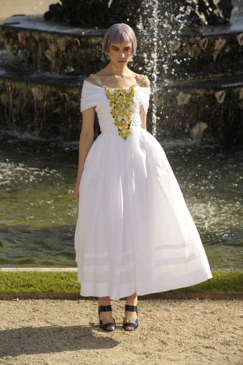 glamour:  Chanel, resort 2013