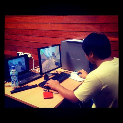 Tempation..counter-strike sblm practice..#ciptaconcert #music #temptation #counterstrike (Taken with instagram)