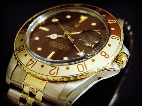The #Rolex #GMT Master Two-Tone. We love the #Vintage Look Of The Brown Dial - #Fly beckertimewatches:  GMT-Master ref # 16753