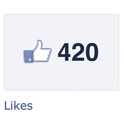 johnisaurus:  Time to light up #weed#tokeup#420#puffpass#marijuana#hash#kush#blaze (Taken with Instagram at JohnJohns crib)