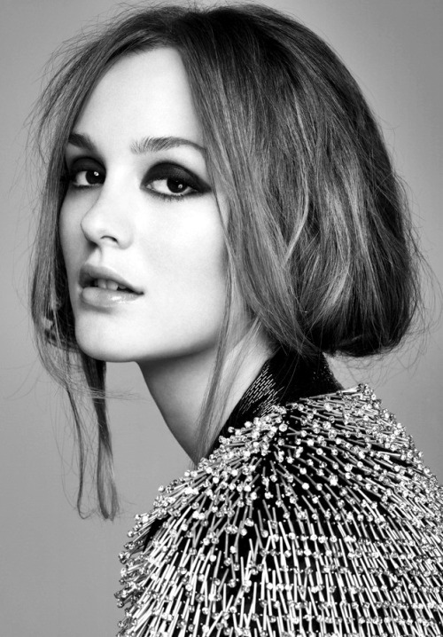 blackwhiteandnothingright:  la la leighton