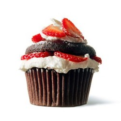mycupcakeromance:   Chloe's Vegan Chocolate Strawberry Shortcake Cupcakes