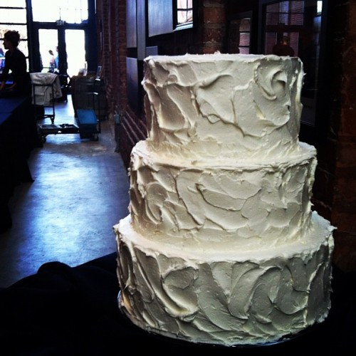 thefrostedcakeshop:  Wedding Cake (Taken with instagram)