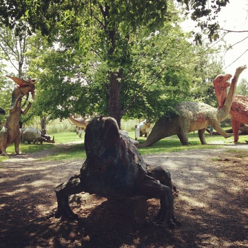 hannahjay:  Dinosaurland. (Taken with instagram)  !!! the greatest place on earth