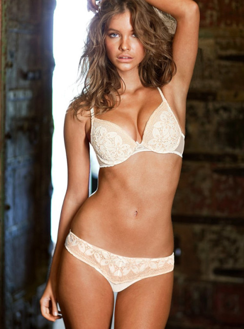 Barbara Palvin for VIctoria's Secret. She looks good in lingerie, doesn't she? And then go see: Erin Heatherton and Barbara Palvin.