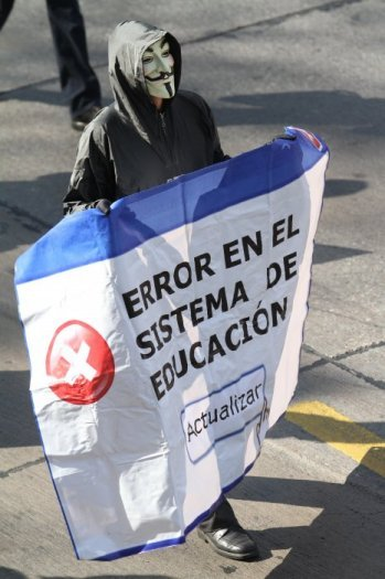 "chileanstudentmovement:  ""Error in the Educational System"" May 16, Santiago Source This protest is far from the first time the above banner has showed up."