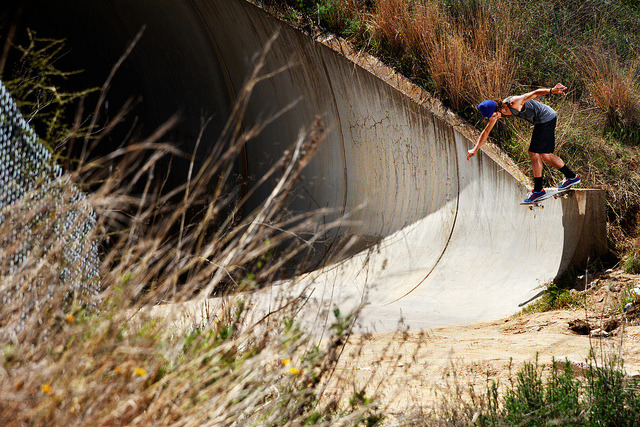 snowsunsurfandstyle:  Richi Larios / Bs Tail by Ricardo Muñoz Carter on Flickr.