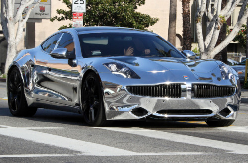 gq:  The Worst Celebrity Car Mods We love celebrities for their excess—the poor cars they cut down and bling up, however, may feel a bit differently. Jamie Kitman breaks down the good, the bad, and the crimes against civilization. (And yes, Justin Bieber makes the list. Three times.)