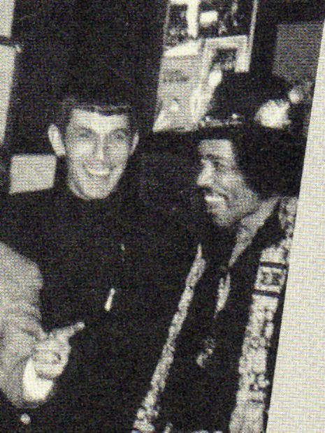 awesomepeoplehangingouttogether:  Leonard Nimoy and Jimi Hendrix, 1970  Fuck!