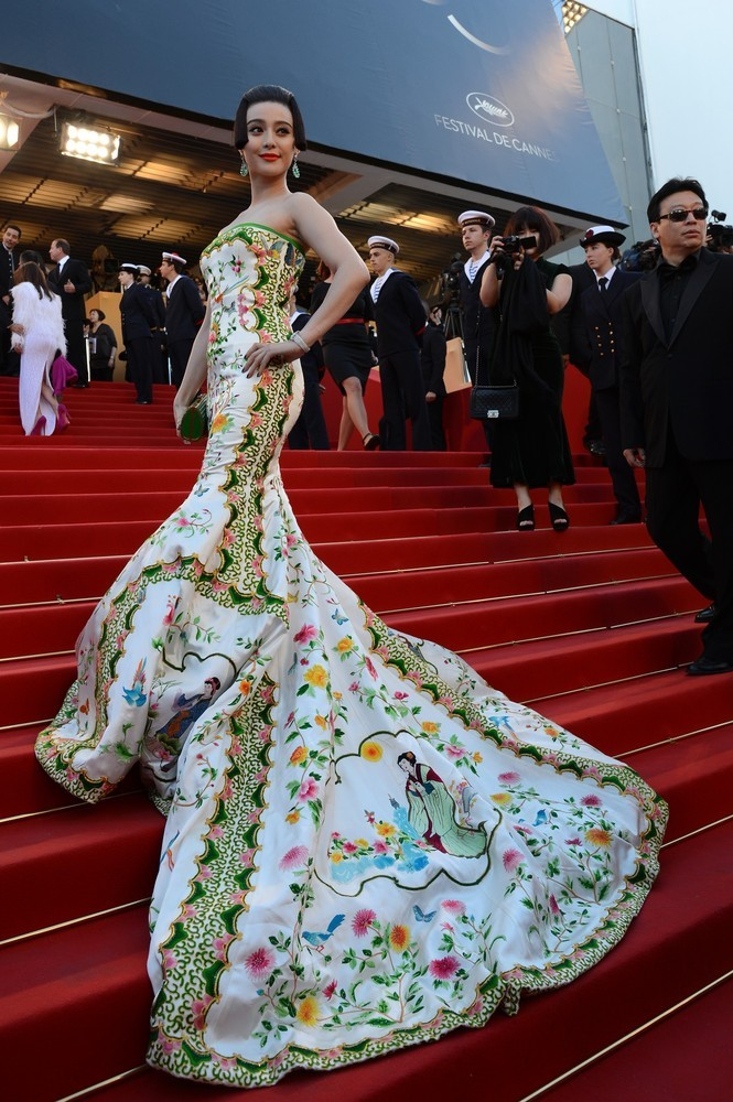 Fan Bing Bing in a embroidered Christopher Bu gown at the Cannes Film Festival opening ceremonies and the premiere of Wes Anderson's Moonrise Kingdom, May 16th Her hair style is a symbol of the Tang dynasty's noble women and her gown tells the stories of the Four Beauties of ancient China