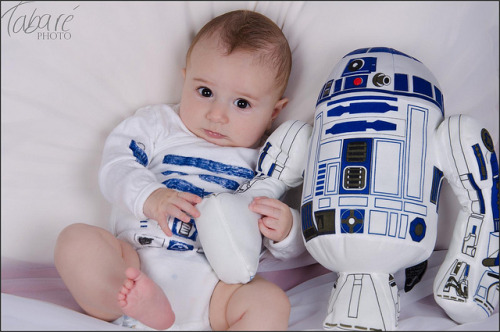 wonderfulworldofbabies:  This is every Star Wars fan's dream.