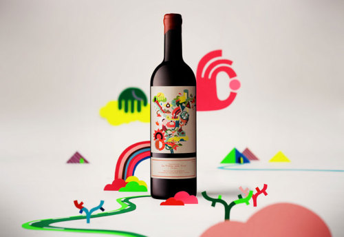 (via La vinya del vuit Wine - The Dieline - The #1 Package Design Website -)