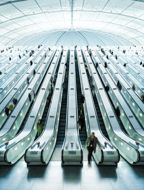 manchannel:  Escalators by Christian Stoll.