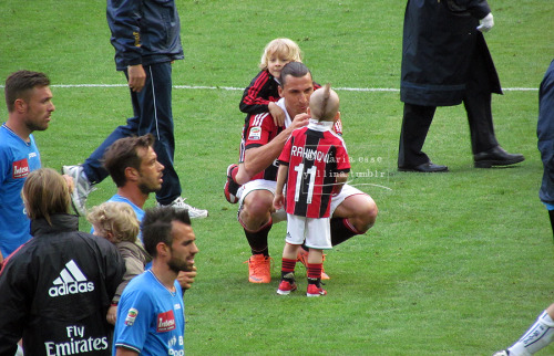 Zlatan and his sons on San Siro's pitch after Milan-Novara.