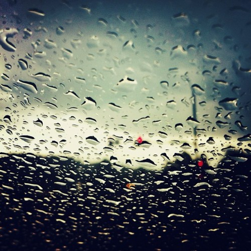 So Cliché #datrainwindowshot // #rain #window #car #driving #spring #sunmer #natre #water #storm #igers #ignation #webstagram #photooftheday #picoftheday #pictureoftheday #iphonesia #iphoneonly #instagood #instaneat #grmedia #jj #instagramers #igaddict #iphonesia #jj_forum #instagramhub #iphone4 (Taken with instagram)