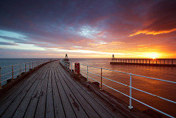 40008km:  like-1-2-3:  Whitby Awakens (by postscriptphoto)  (via imgTumble)