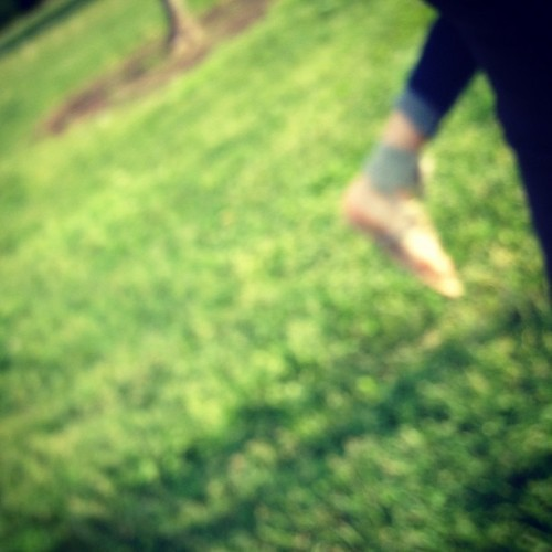 "Candid camera will getchou "" @tuznutz "" #blurry #feet #grass #park (Taken with instagram)"