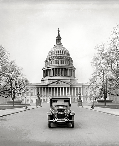 librar-y:  Washington, D.C., 1924. Ford Motor Co. - Lincoln at Capitol.