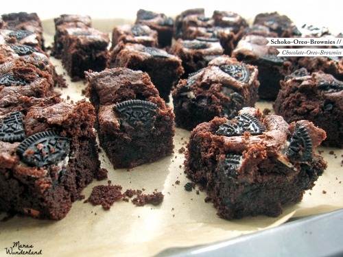 thecakebar:  Chocolate Oreo Brownies