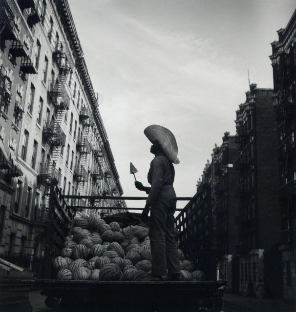 Aaron Siskind: Watermelon Man. Harlem, New York, 1940.