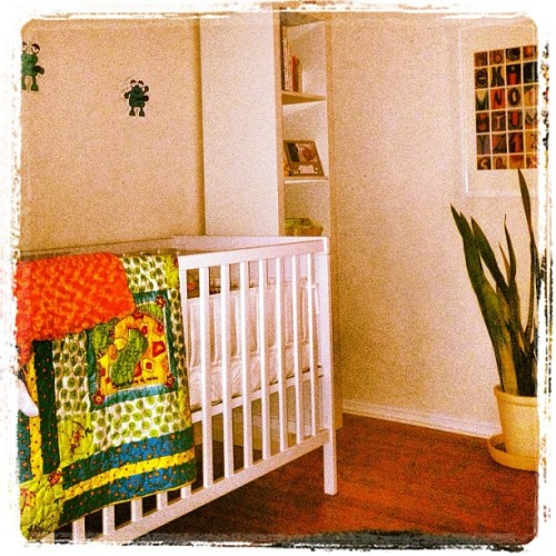 ohthethingsmommiesdo:  Starting to look like a baby's room :) (Taken with instagram)
