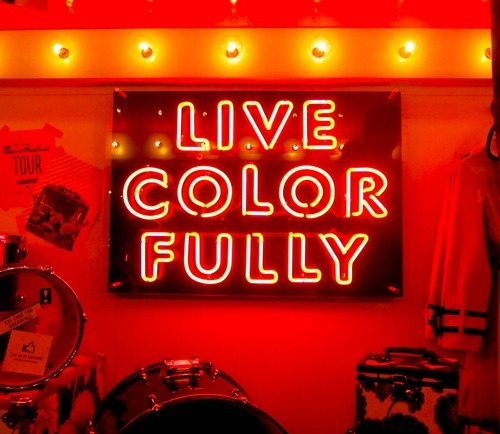 pulmonaire:  Live Color Fully by Kate Spade