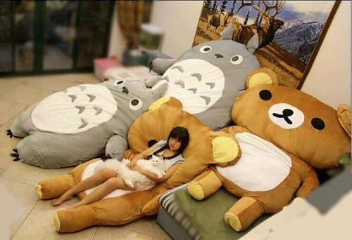 i want that totoro in my room.