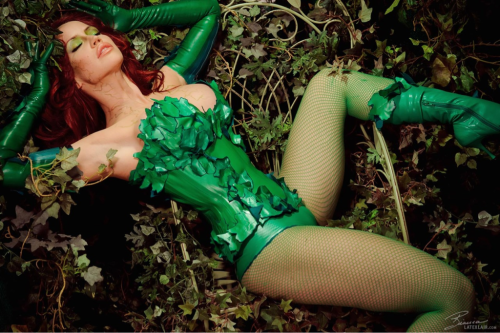 meta-meta-ceribrial:  Another Poison Ivy pic posted on the forum.