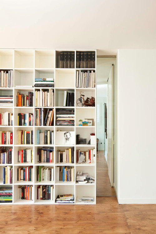 We all dreamt of having something like this = secret passage way that leads to a hidden room!I still dream.