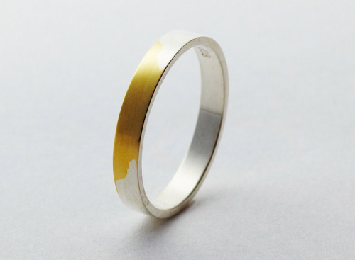 torafu architects: gold wedding ring