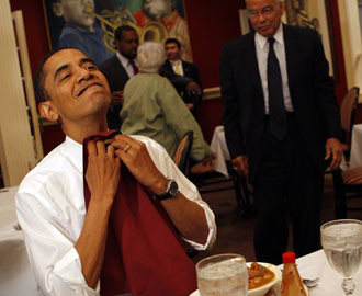 obamaeatingburgers:  Look at that happy face!