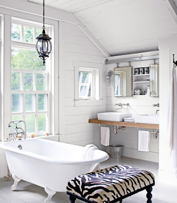 dyingofcute:  tiny cottage bathroom with french doors towards the garden