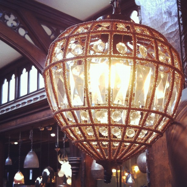 Love this light #inspiration #chandelier #liberty #art #vintage #diamonds #craft  (Taken with instagram)