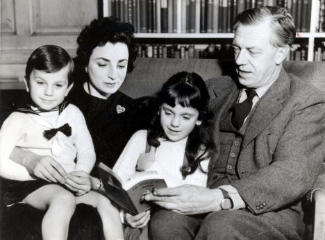 Actress Jill Balcon and Poet Laureate C. Day-Lewis read to their two children, Daniel and Tamasin.