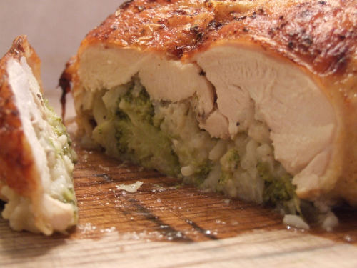 Chicken Ballotine - Deboned Stuffed Chicken  (via http://wearenotfoodies.com/deboned-stuffed-chicken.html )