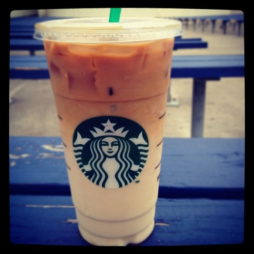 Start off the day with Starbucks. #coffee#drinks #morning #breakfast #yummy #cold #starbucks (Taken with instagram)