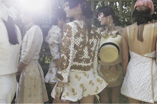 sfilate:  Backstage at Chanel Cruise 2013