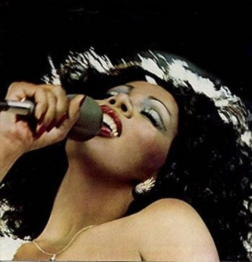 Donna Summer Dead at 63 I become breathless when I look at this picture. Can someone please explain to me why all the true angelic singers go so fast? Does NO one grow old anymore? So shocking! I didn't even know she had cancer.