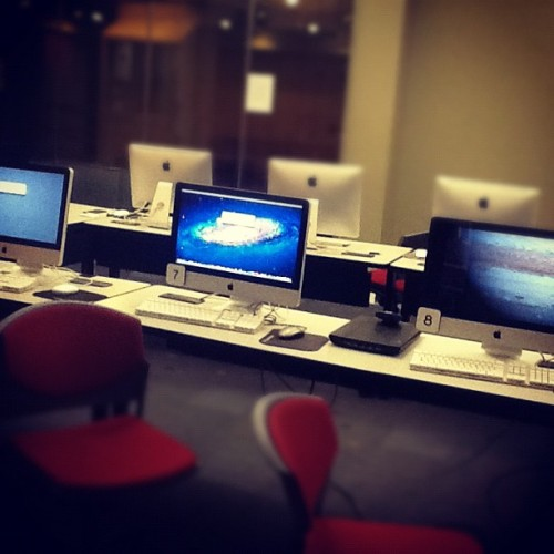 Updating le software  (Taken with Instagram at Le LC)