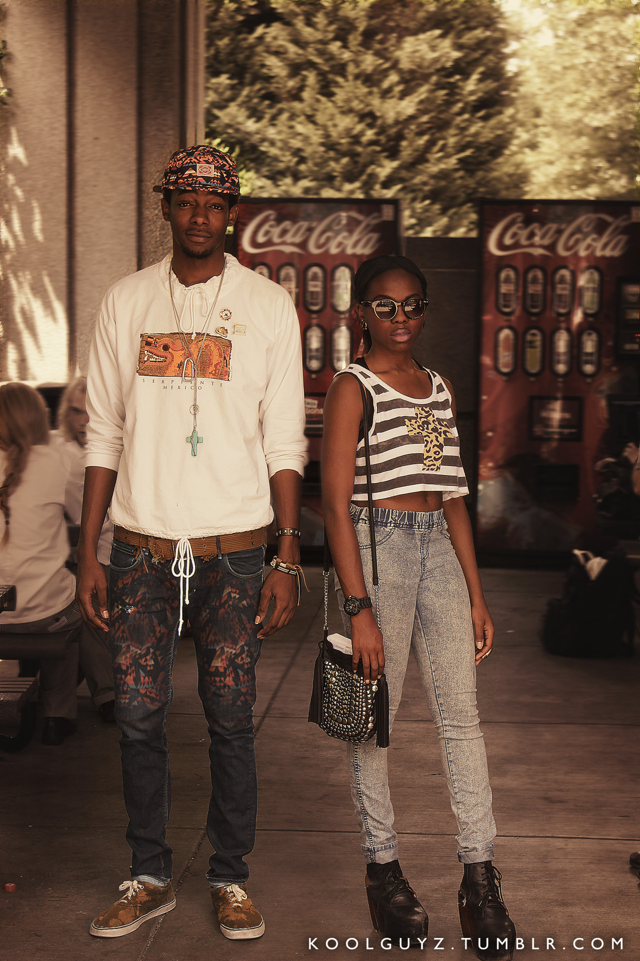 vampeng:  his face»» her pants»>