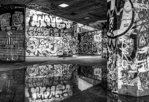 Graffiti Wars (by vulture labs)