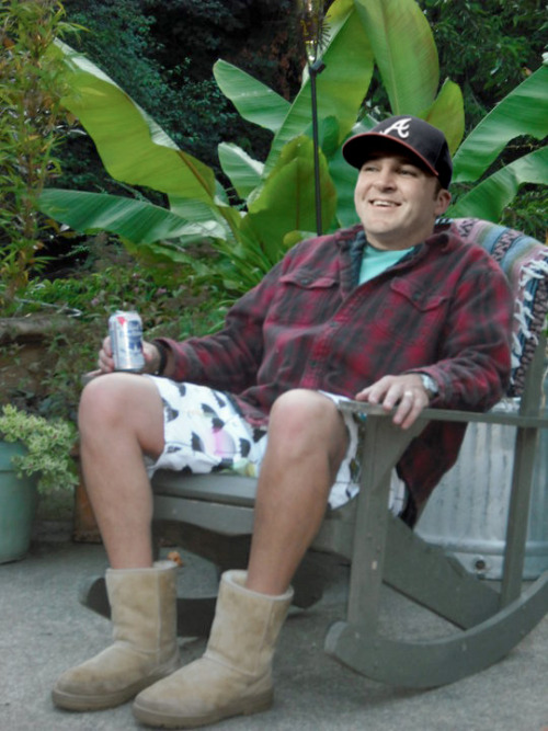 Dan Uggla enjoying a PBR and brand new pair of Uggs.