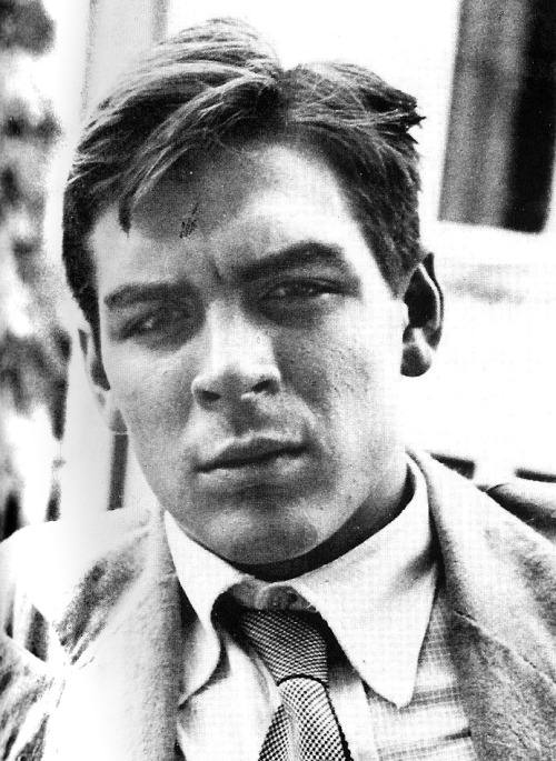 legrandcirque:  A 22 year old Che Guevara in Argentina, 1951. Source: Museo Che Guevara