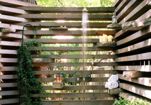 cabbagerose:  urban outdoor shower/earth inc. via: remodelista