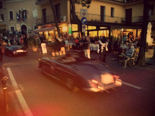 Desenzano del Garda - Dinner next to the road. Now that is the Mille Miglia.   miglia
