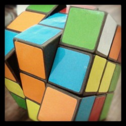 Rubik #80s #Hefe #android #instagrandroid #Instadroid #instagood #toy #toys (Publicado com Instagram, no 80 20 Marketeria Digital)