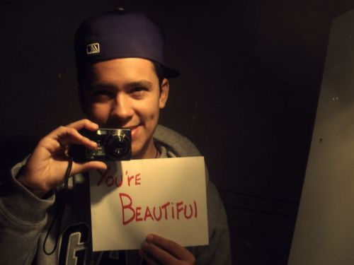 Un reblog pal varo :c  You're Beautiful