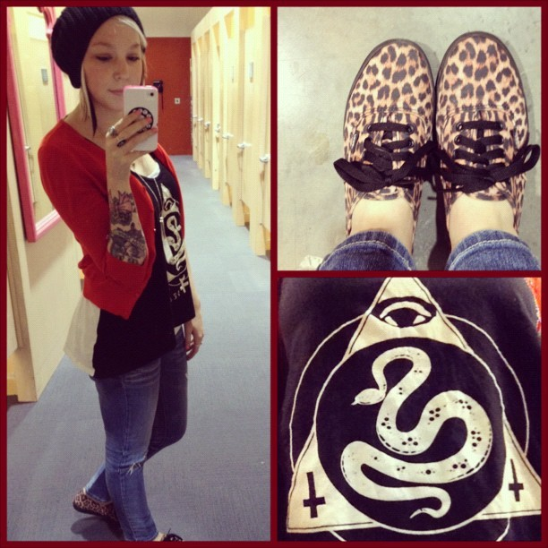 Cadah is one of the winners of our #vansgirlsstyle challenge. Check out her casual cool style with the Leopard Authentic Lo Pro. -amanda