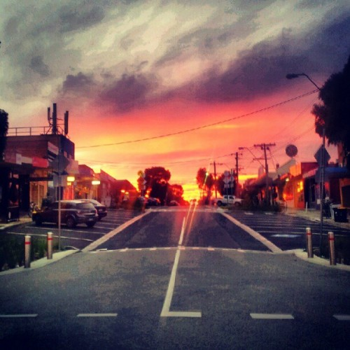 Sunrise…another day. #sunrise #Melbourne  (Taken with Instagram at Oak Park Station)